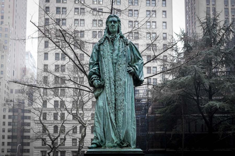 Manhattan Statue
